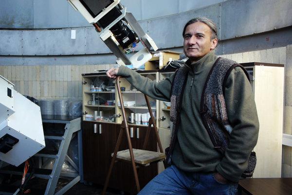 Peter Habaj, pozorovateľ Astronomického ústavu Slovenskej akadémie vied.
