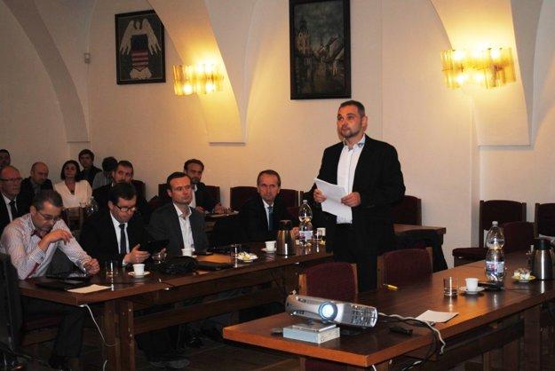 Investičný zámer kritizoval poslanec Bochňa.