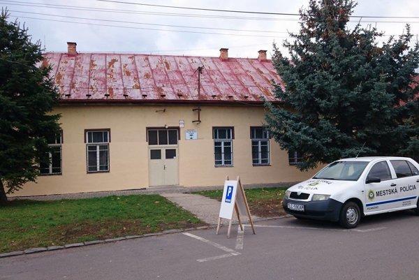 Bývalá umelecká škola, dnes sídlo polície.