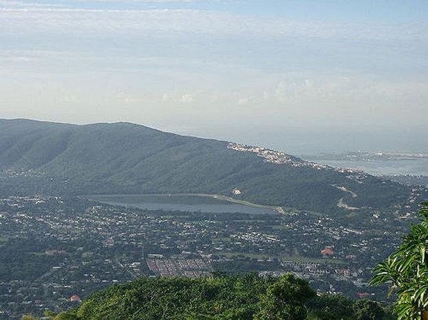 Pohľad na časť mesta Kingston.