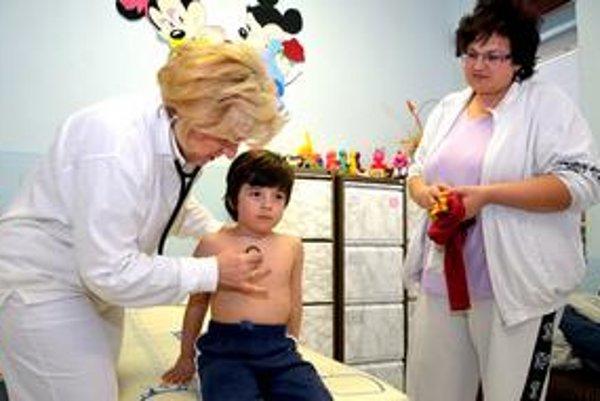 Bacuľaté deti choroba ohrozuje viac ako štíhle.
