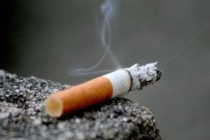 Vystavovanie sa cigaretovému dymu, teda aj pasívne fajčenie, je jedným z najzávažnejších faktorov vzniku rakoviny pľúc.