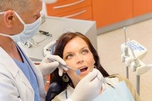 Kto prehliadky ignoruje, bude musieť u zubára platiť viac.