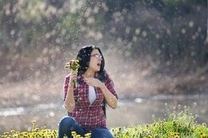 Nejde len o kýchanie či len o svrbenie kože. Alergický človek má takmer stále veľmi mierny zápal.