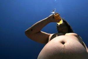 Mnohé zdravotné problémy, ktoré sú predmetom sympózia vedeckých pracovníkov, sú výsledkom nezdravého životného štýlu, ku ktorému patrí aj pitie alkoholu, fajčenie a obezita ako dôsledok nesprávnych stravovacích návykov a absencie pohybu.
