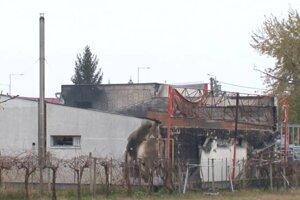 Foto z miesta po rozsiahlom požiari