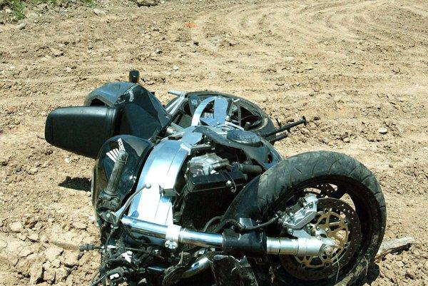 Vodič zahynul. Na motocykli vznikla škoda iba 150 eur.