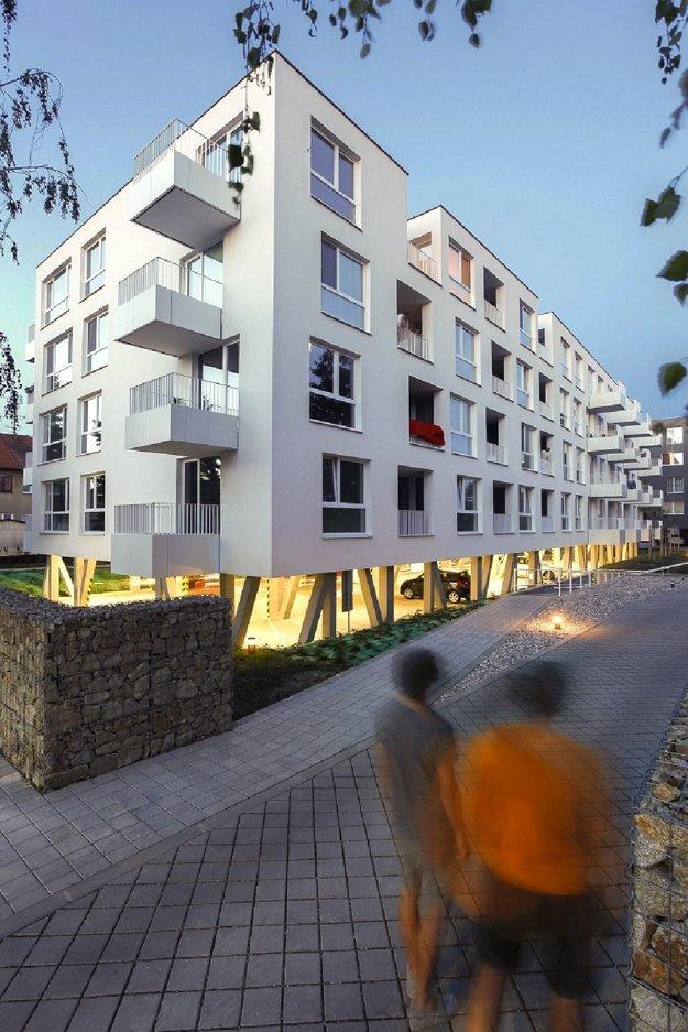 Bytové domy Avana Stupava. Aarchitekti.sk / Martin Rezník, Matúš Polák, Juraj Makový, spolupráca: Silvia Kračúnová