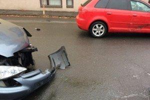Nehoda na Mierovej ulici.
