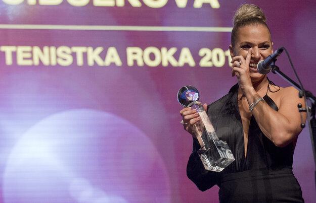 Dominika Cibulková sa pri ďakovnej reči rozplakala.