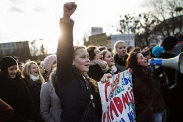 Ani po štrajku nemusí byť učiteľská výplata väčšia.