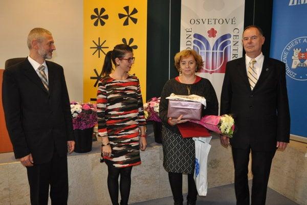 Hlavnú cenu v kategórii kronika krajského a okresného mesta si prevzala nitrianska mestská kronikárka Ľudmila Synaková.