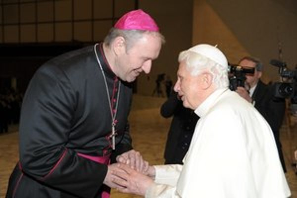 Róbert Bezák sa s pápežom Benediktom XVI. stretol vo Vatikáne vo februári minulého roka.