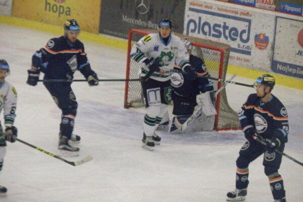 Tretie víťazstvo v sezóne si Novozámčania proti Košičanom nezaknihovali, V nedešu prehrali doma 1:2.