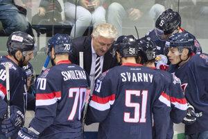 Hokejisti Slovana bojujú o body v Soči.