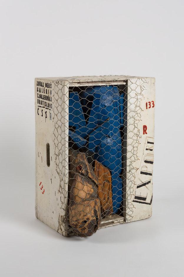 Jeleň. (Prostredie II - Les života), 1969, polychromované drevo, kov, komb. technika, 55 x 39 cm, inv. č. B 1147