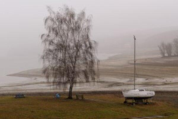 Vodná nádrž Domaša sa zmenšuje.