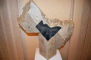 """Vystavené diela pochádzajú z """"doby kamennej a hlinenej"""""""