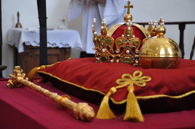 Kráľovské klenoty. Slúžili na korunováciu 14 poľských kráľov.
