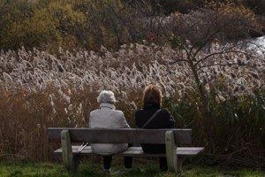 Blízkym, ktorí trpia jesennou depresiou, venujte svoj čas.