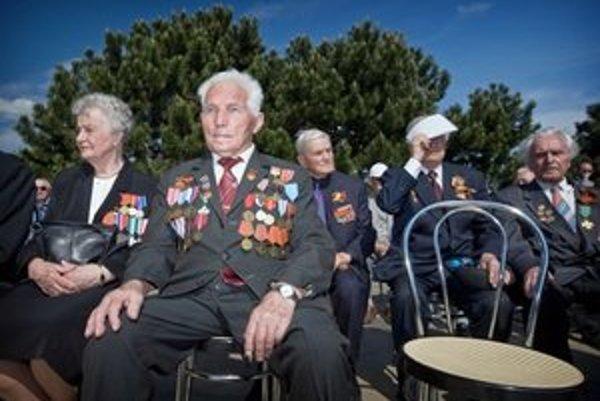 Veteránov z druhej svetovej vojny každý rok ubúda.