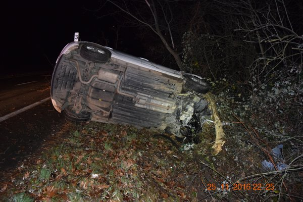 Dopravná nehoda, ku ktorej došlo v piatok večer medzi obcou Vinné a Michalovcami.