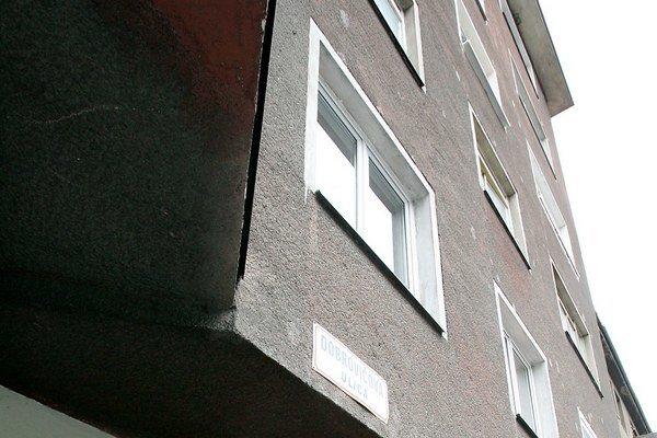 V dvoch krajoch sa priemerná cena bývania znížila, pričom najviac v Žilinskom kraji o 14 eur za meter štvorcový. Najviac sa zvýšila priemerná cena domov a bytov v Košickom kraji o 12 eur na meter štvorcový.