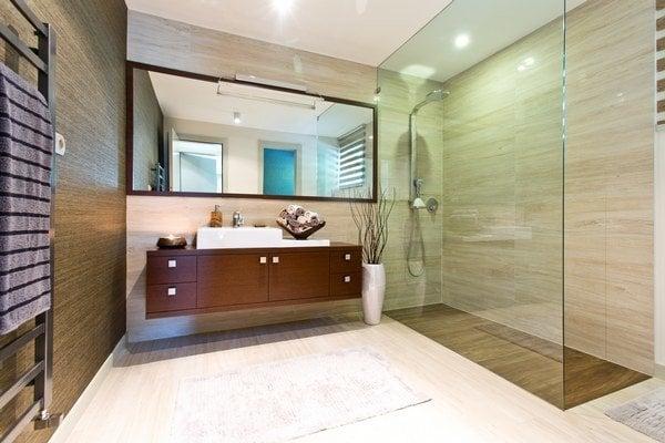 Krásna a veľká kúpeľňa je snom mnohých. V paneláku však zostáva iba pri tom.
