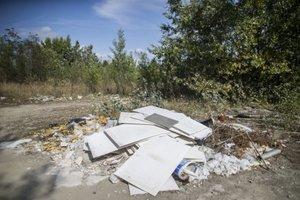 Stavebný odpad končí často na čiernych skládkach.