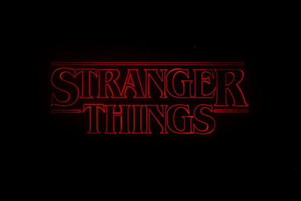 Logo seriálu Stranger Things od Netflixu.