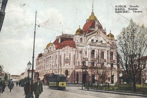 Budova košického divadla.