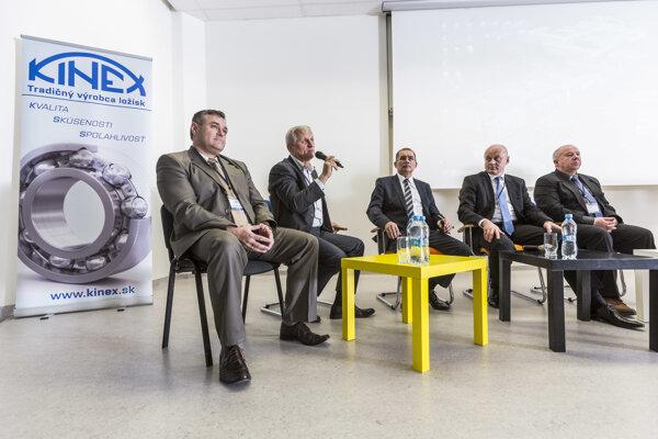 Na pôde Žilinskej univerzity diskutovali odborníci o príprave pre strojárske profesie.