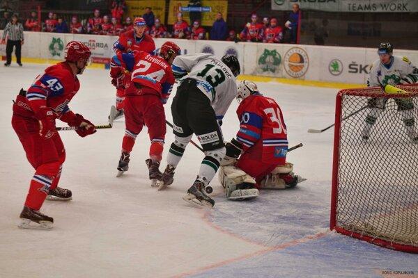 Ilustračný záber z domáceho zápasu Novozámčanov proti Liptákom