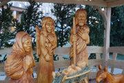 Svätá rodina vyrezaná z dreva.