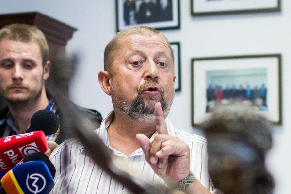 Bývalý šéf Najvyššieho súdu Štefan Harabin môže prísť v rámci disciplinárnych trestov aj o funkciu sudcu.