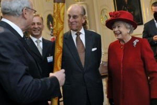 Gašparovič sa už s britskou kráľovnou stretol v októbri 2008.