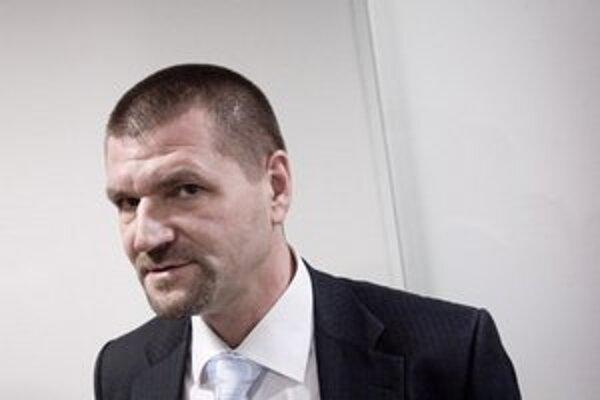 Igora Štefanova už aj polícia priradila k ostatným nástenkárom.