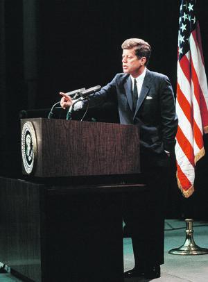 Americký prezident John F. Kennedy by sa dožil 100 rokov