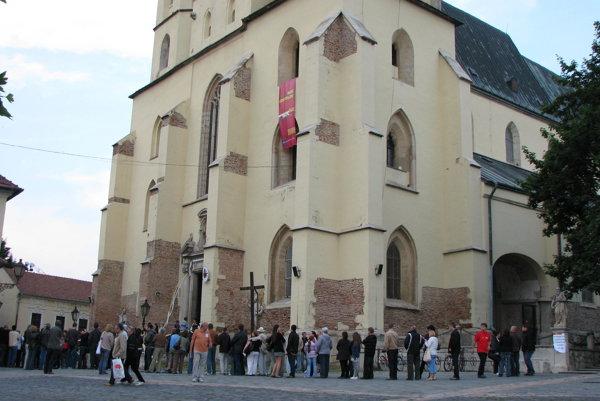 V okolí  baziliky má vzniknúť  arecheopark