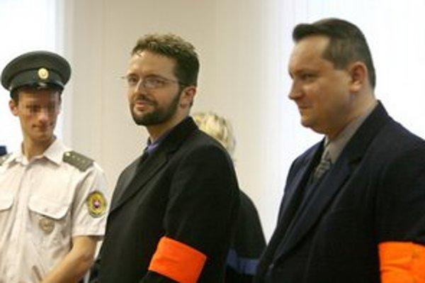 Brtva pri vynesení rozsudku nad Majským v roku 2007.