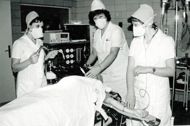Nemocnica bola v čase jej budovania pokusným králikom. Je totižto bez schodov.