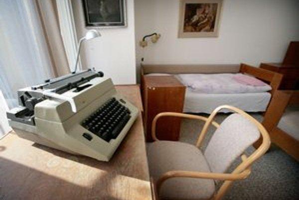 Tvorivú idylku majú niektorí spisovatelia vďaka Literárnemu fondu.