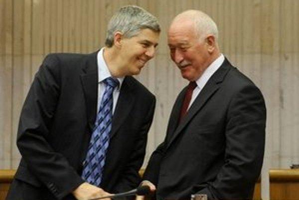 Teraz už stranícki kolegovia Béla Bugár a vpravo František Šebej.