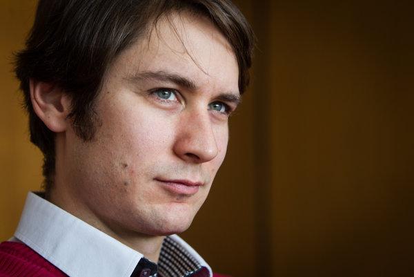 Pavol Szalai pracoval na ministerstve zahraničných veci dva roky. Výpoveď podával, pretože sa mu nepáčili praktiky pri organizovaní slovenského predsedníctva.
