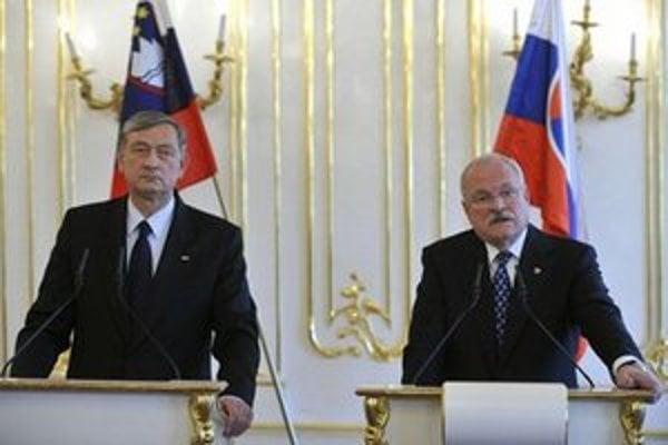 Slovinský prezident Danilo Türk a Ivan Gašparovič na tlačovej konferencii po spoločnom rokovaní.