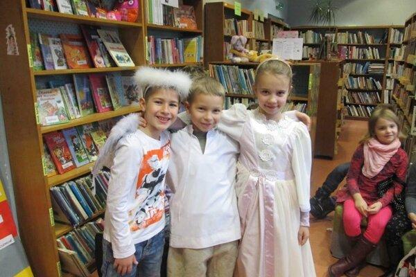 Malí čitatelia prežili Mikulášsky deň v Mestskej knižnici Mikuláša Mišíka v Prievidzi.