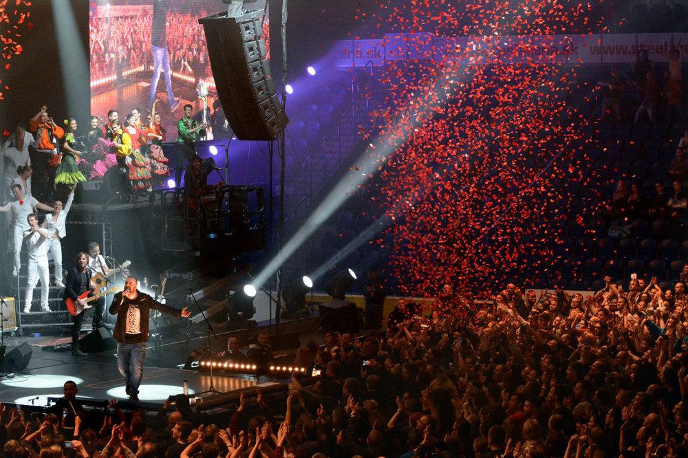 Predčasné Vianoce. Fanúšikovia odchádzali z koncertu nadšení. Viacerí hovorili o top koncerte roka a emotívnom zážitku. Ivan mnoho ráz spievať ani nemusel. Publikum to odspievalo slovo po slove, text po texte s ním.