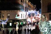 Eva Tóth vo vianočnom hlavnom meste Valletta.