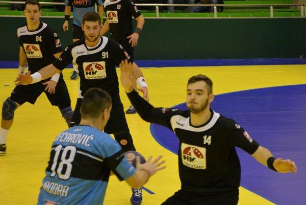 Hádzanári doma vyhrali o osem gólov.