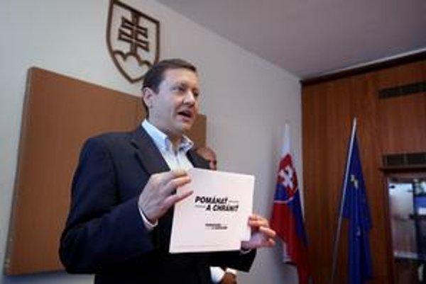 Tvrdenia z Gorily sa podľa ministra Lipšica dajú ľahko overiť.